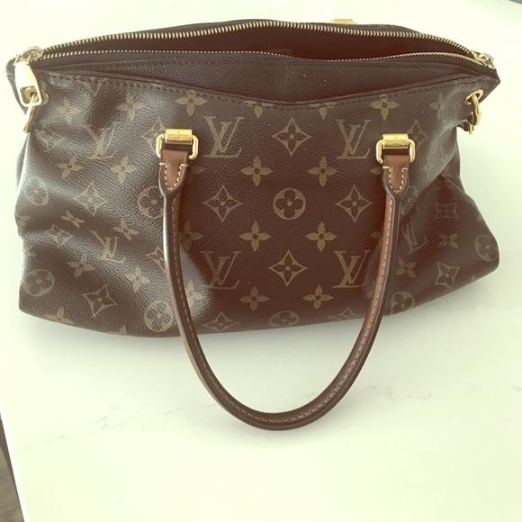 Louis Vuitton Handbags - Authentic Louis Vuitton Pallas Monogram handbag